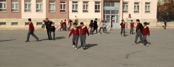 Şükriye Onsun İlkokulu is one of Mustafa Ahmet'in Beğendiği Mekanlar.