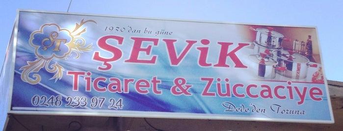 Şevik Ticaret & Züccaciye is one of Locais curtidos por Harun.