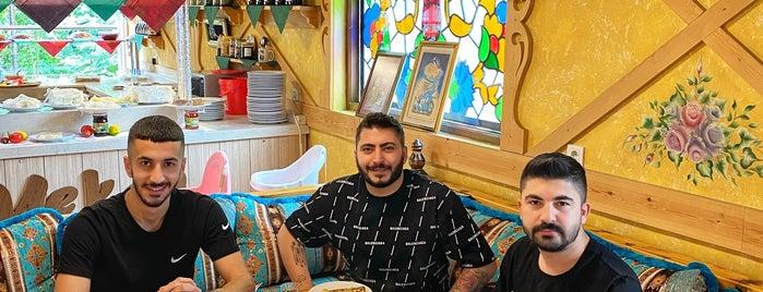 Lâ Mekan Kahvaltı is one of KAHVALTI (İSTANBUL AVRUPA YAKASI).