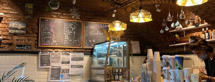Kvarts Coffee is one of สถานที่ที่ Sh ถูกใจ.