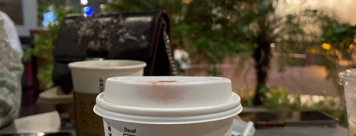 Starbucks is one of Posti che sono piaciuti a Joelle.