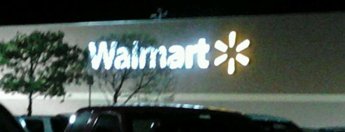Walmart is one of Tempat yang Disukai J..