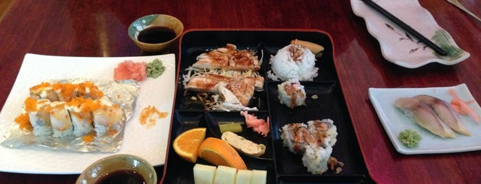 Sakura Japanese Sushi Bar & Grill is one of Road Trip.