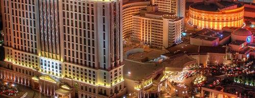 Caesars Palace Hotel & Casino is one of Просто удивительно!!!  Вы знаете, что....