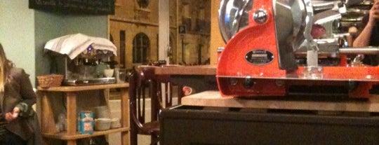 Le Garde-Robe des Batignolles is one of Bars a tester.
