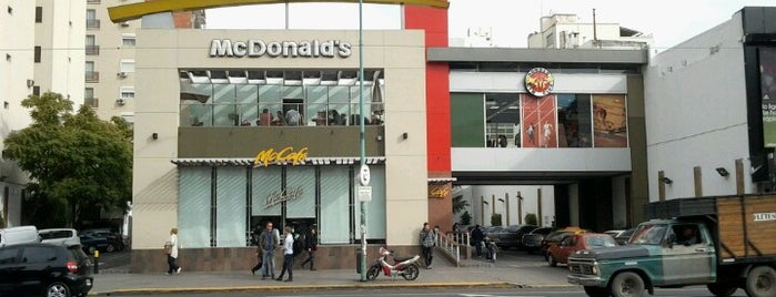 McDonald's is one of Locais curtidos por Maru.