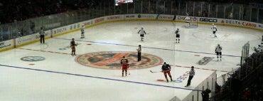 Madison Square Garden is one of Lugares favoritos de Patrick.