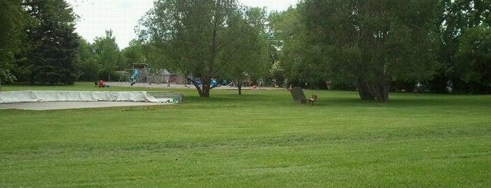 Riley Park is one of Lugares favoritos de John.