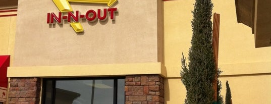 In-N-Out Burger is one of Candace : понравившиеся места.