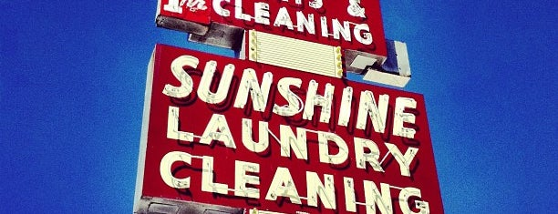 Sunshine Dry Cleaners is one of Lieux qui ont plu à Chris.