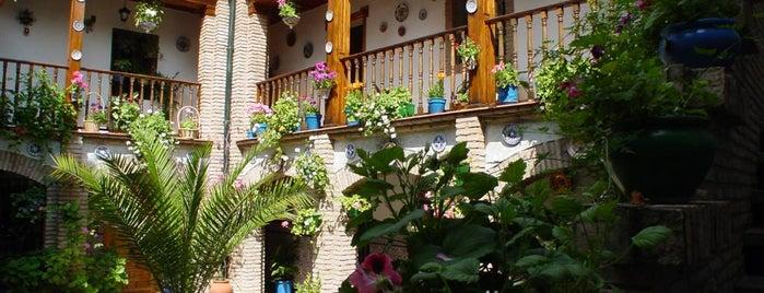 Casa-Patio de la calle Guzmanas, 4 is one of Visita virtual a los Patios de cordoba.