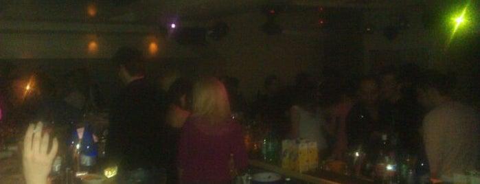 Guess Music Club is one of Τα τσιγάρα-τα ποτά και τα ξενύχτια....