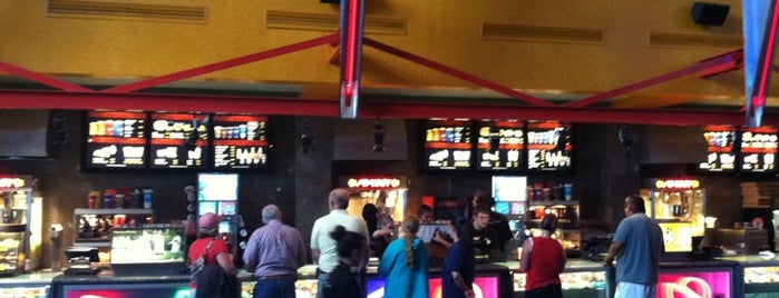 Harkins Theatres Flagstaff 11 is one of Posti che sono piaciuti a W. Mark.