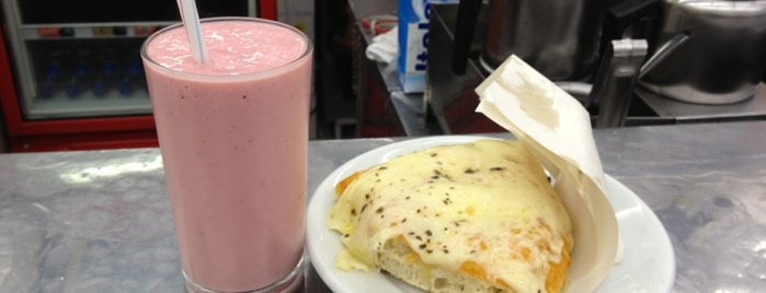 Pizzaria Itália is one of Curitiba Bon Vivant & Gourmet.
