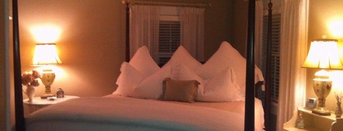 The Morning Glory Bed & Breakfast is one of Karen'in Beğendiği Mekanlar.