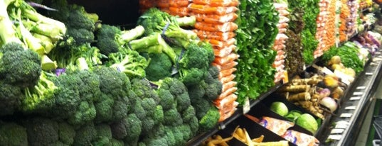 Whole Foods Market is one of Noah: сохраненные места.