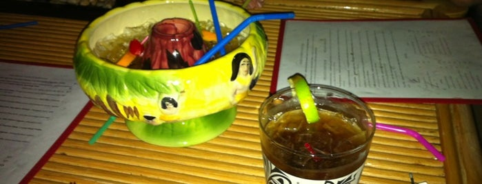 The Downtown Tiki Lounge is one of squeaselさんの保存済みスポット.