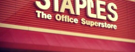Staples is one of Orte, die Alan-Arthur gefallen.