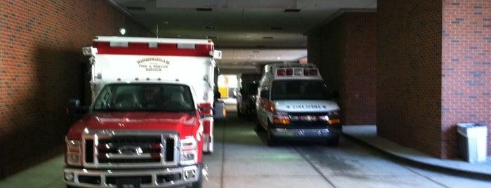 UAB Downtown ER Ambulance Entrance is one of Posti che sono piaciuti a Christy.