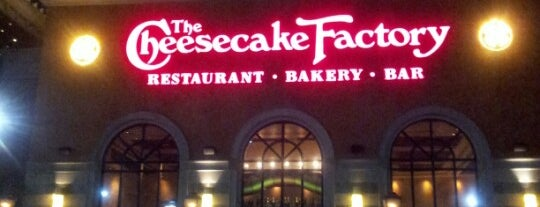 The Cheesecake Factory is one of Orte, die Michael gefallen.