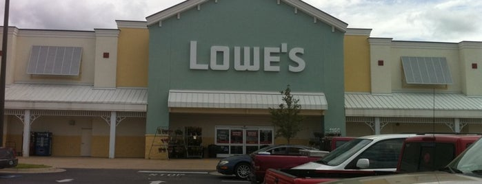 Lowe's Home Improvement is one of Posti che sono piaciuti a ron.