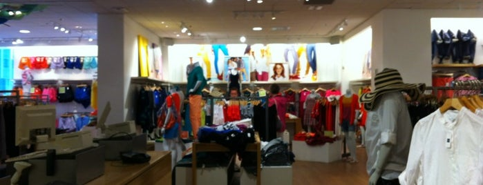 Gap is one of NYC. 4b39bf5f8