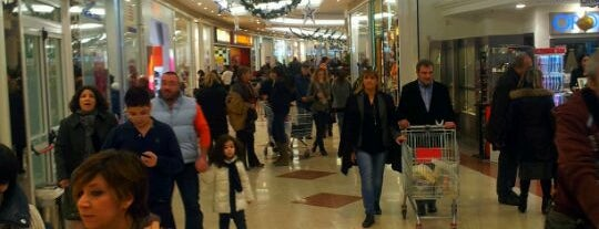 Romagna Shopping Valley is one of Miei luoghi.