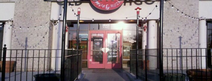 Old Chicago Pizza & Taproom is one of Pizza!!.