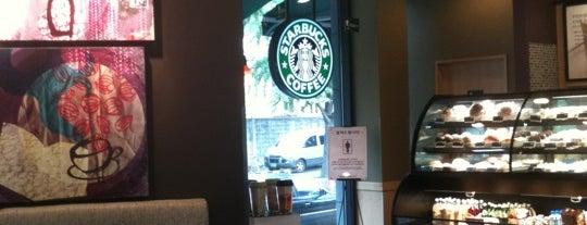 Starbucks is one of Lugares favoritos de TJ.