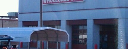 BJ's Wholesale Club is one of Lugares favoritos de Merissa.