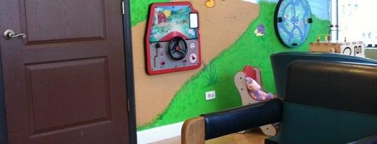Village Square Dental is one of Posti che sono piaciuti a Stephane.