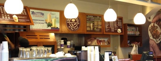 The Coffee Bean & Tea Leaf is one of Lugares favoritos de Marco.