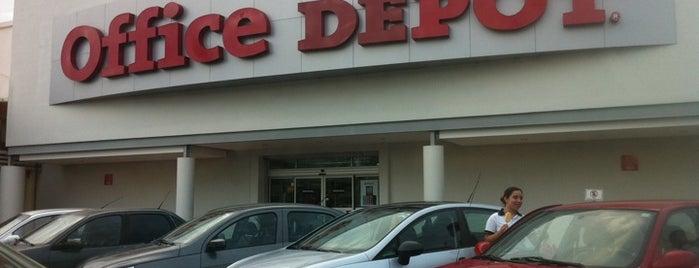 Office Depot is one of สถานที่ที่ Joaquin ถูกใจ.