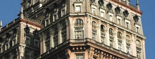 Edifício Martinelli is one of São Paulo - O que tem por perto?.