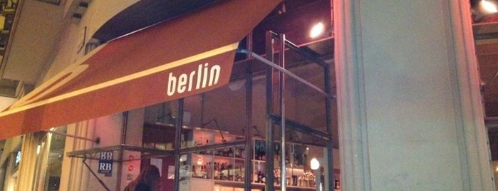 Café Berlin is one of Pubs de Barcelona.