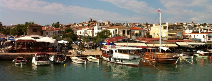 Cunda Sahili is one of Lugares favoritos de Turusan.