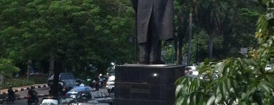 Patung Jenderal Sudirman is one of JAKARTA.