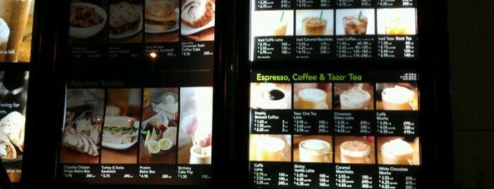Starbucks is one of Angel 님이 좋아한 장소.