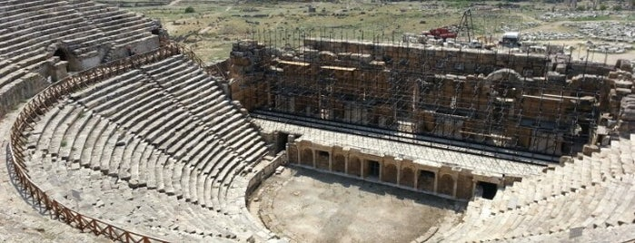Hierapolis is one of Orte, die Yılmaz gefallen.