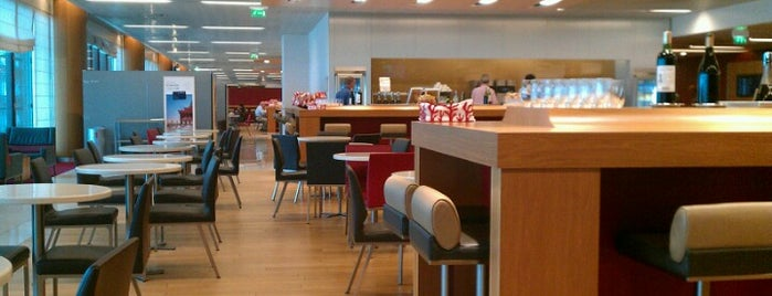 Air France Lounge is one of Paris: husband's hometown ♥.