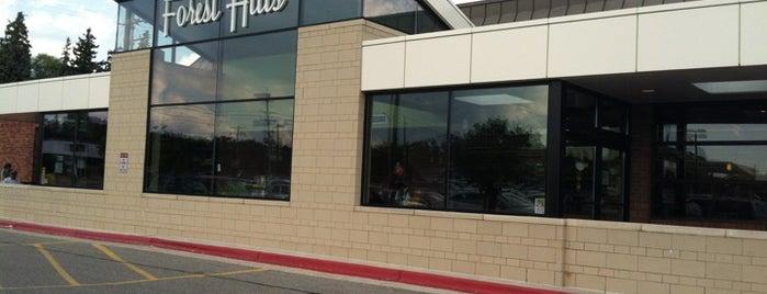 Forest Hills Foods is one of Orte, die Lee gefallen.
