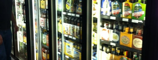 Buy Rite Discount Liquors is one of Derk : понравившиеся места.