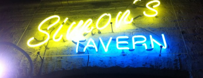 Simon's Tavern is one of Chicago.