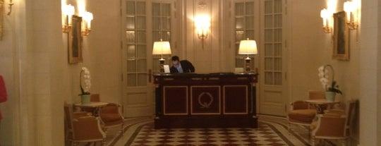 Shangri-La Hotel Paris is one of Gurhan'ın Beğendiği Mekanlar.