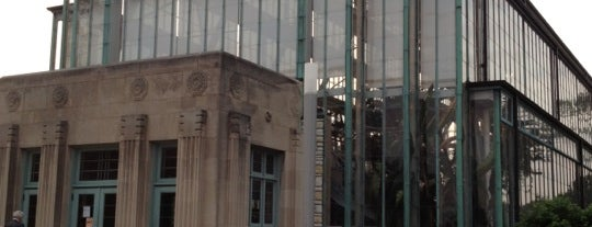 The Jewel Box is one of St. Louis To-Do.