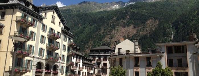 Office du Tourisme de Chamonix is one of Lugares favoritos de Kyle.