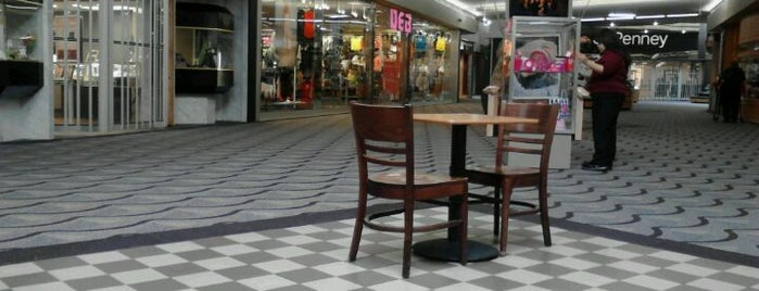 Kirkwood Mall is one of Bismarck Usuals.