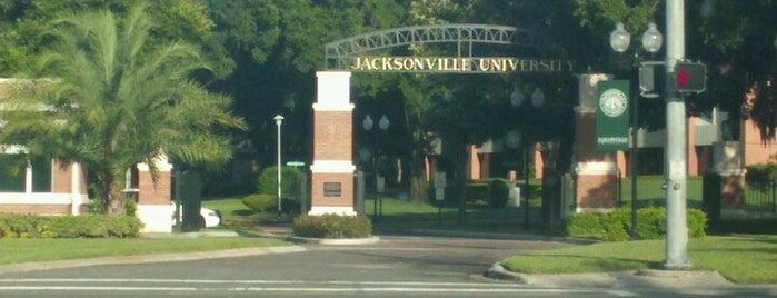 Jacksonville University is one of McKenzie 님이 좋아한 장소.