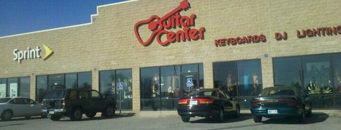 Guitar Center is one of Melo'nun Beğendiği Mekanlar.
