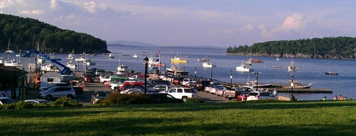 Bar Harbor Waterfront is one of Lugares favoritos de Scott.